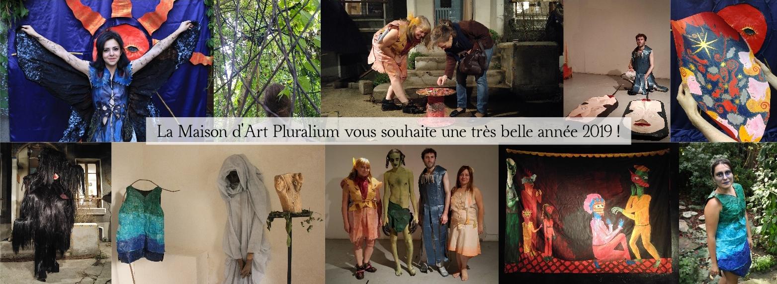 La Maison d'Art Pluralium vous souhaite une très belle année 2019 ! Avec Arnaud Degouy, Alex Hays, Camille Tutin, Nathalie Fiala, Armand Passemard et Ania Midori.